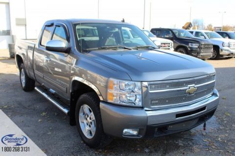 Pre-Owned 2009 Chevrolet Silverado 1500 4WD Extended Cab Pickup